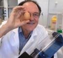 オーストラリアの科学者がゆで卵を元に戻す機械を開発!!!