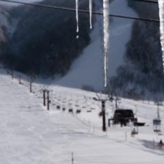 平湯温泉スキー場でスキー