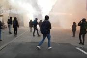 【仏大統領選】左翼の反ルペンデモ、あまりにも過激すぎて一般市民ドン引き