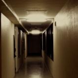 『【アパートの怪】下に住む住人の狂った行動』の画像