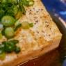 ちょこっとおつまみ的な「豆腐の蕎麦つゆステーキ」&スーパーの「鶏ごぼう弁当」がけっこう美味しかった
