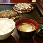 関東人「お好み焼き定食とかw両方炭水化物じゃんw」