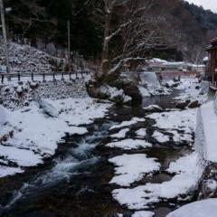 洞川で雪遊び