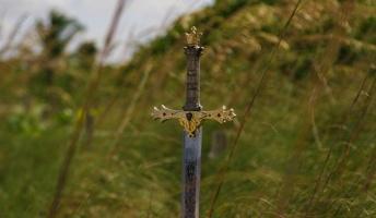 西洋の剣「ロングソード」の切れ味を証明する動画がこちら
