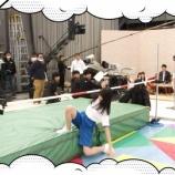 『日向坂46上村ひなのの跳び方の引き出しがすごい!笑【ひらがな推し】』の画像
