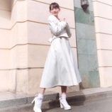 『[ノイミー] 鈴木瞳美「LARME さん × みりにゃさん のコラボお洋服 シルエットが本当にすてきで 、思わず一目惚れしてしまいました …」』の画像
