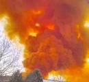 【画像】 スペインの化学工場で爆発 街が有毒なオレンジ色の雲に覆われる