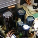 『PCの電源ボックス内のコンデンサー交換手術』の画像
