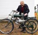 ジッジ(95)、60年以上前のエンジンを修理し原付として復活させる