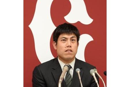 【巨人】西村、30%ダウン1億3000万円の2年契約でサイン alt=