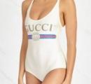 【朗報】GUCCIの水着がバカ売れで売り切れ続出! その理由はプールに入ると溶けてしまうため