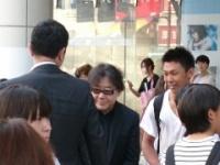【速報】秋元康、欅坂46特集の渋谷TSUTAYAに降臨wwwwwwwwww