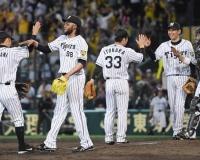 【ゲンダイ】敵は広島? 3位巨人が首位阪神に余裕しゃくしゃくのワケ