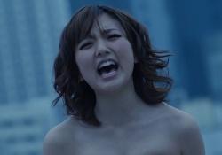 真野恵里菜ちゃんが胸を寄せまくりすぎてはみ出しまくってる