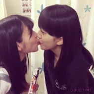 松岡菜摘と田島芽瑠がトッポゲームを口実に思いっきりキスしてる件【画像あり】 アイドルファンマスター