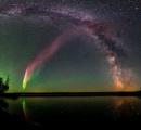 一見オーロラのような、紫色の発光現象「スティーブ」