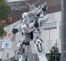 東京オリンピックにガンダムが出現!トライアスロンコースの巨大ガンダムが話題