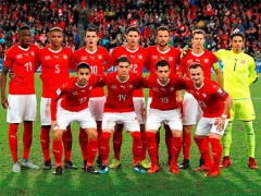 いちばん最初に思いつくスイスのサッカー選手!