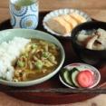 カレー粉と麺つゆで作る簡単カレー丼献立