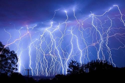 落雷とかいういまだによくわからない自然現象のサムネイル画像