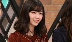 西野七瀬、独特な洋服を着こなしてテレビ出演!