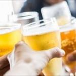 友「お酒飲めない人が過半数だからアルコール飲み放題は無しでいい?」 俺「おう」