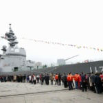 【中国】日本の護衛艦「すずつき」中国で一般公開、長蛇の列で大人気!「旭日旗」も… [海外]