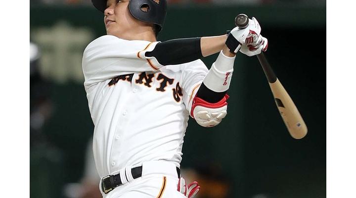 セ・リーグの首位打者、宮崎(.351)vs坂本(.331)の一騎打ち