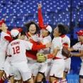 海外「日本チームが見せたダブルプレーが凄すぎる!」ソフトボールで金メダルを獲った日本代表チームのプレーを見た海外の反応