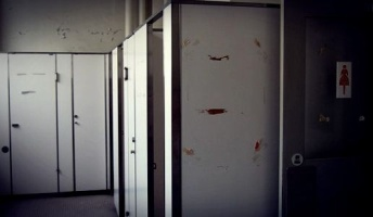 【閲覧注意】学校での奇特な事件・事故まとめる【都市伝説的な事件・事故】