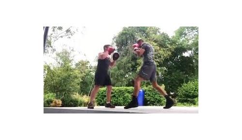 元マンUのDF リオ・ファーディナンドが38歳でボクシング転向、海外の意見は賛否分かれる