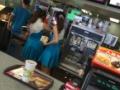 【画像】中国のマクドナルドの制服wwwwwwwwwwwwwwwwww