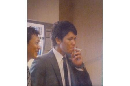 【悲報】巨人坂本、喫煙者だった alt=