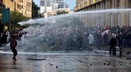 レバノンで大規模な反政府デモ…治安部隊と衝突、160人以上負傷