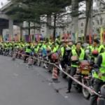 【動画】中国、春節帰省ラッシュ初日、1000台のオートバイ大軍団が無料給油に並ぶ! [海外]