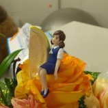 『花にかこまれて』の画像