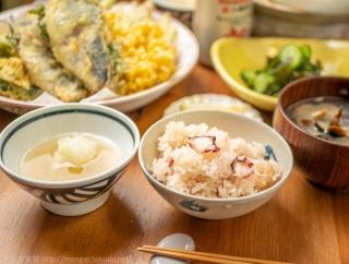 「きのう何食べた?」(よしながふみ)の夏の終わり天ぷらとたこめし