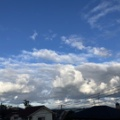 午前中時雨模様残る