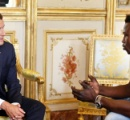 宙づりの幼児救出した「スパイダーマン」移民男性ガサマさん、仏大統領と会見 市民権付与へ