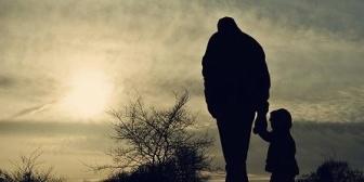 よく怒鳴られたり殴ってくる父が大嫌いだった。でもそうなるように仕向けてたのが母だったことがわかった…
