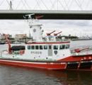 消防士のおっさん、新造したばかりの消防艇燃料タンクに水を入れエンジンぶっ壊す