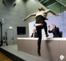【画像】 欧州中央銀行のドラギ総裁、会見中に南斗聖拳の使い手に襲われる
