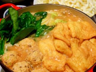 酒粕と味噌で、話題の発酵鍋を作ってみました(鶏団子入り♪)