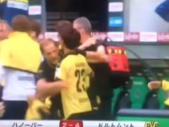 【 GIF 】蹴られただけじゃない!試合後に満面の笑みで香川を抱きしめるトゥヘルwww