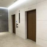『マンションによっては、エレベーターにストレッチャーや棺が入らないこともあります。』の画像
