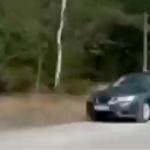 【動画】中国、車を脇に止めて立ちションしていたら、危うく死ぬところだった…!?