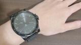【悲報】ワイ、彼女に腕時計をプレゼントされるも腕がガリガリ過ぎて泣く(※画像あり)