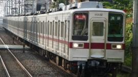 ケータイ見ながら遮断機突破、電車にはねられ死亡…東京