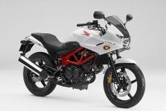 【バイク】 ホンダ、「VTR」にハーフカウル装着モデル「VTR-F」を新発売