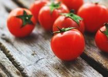 トマトって見るからに果物やろ